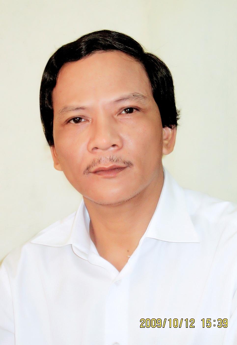 Nhà văn PHAN TRUNG HIẾU