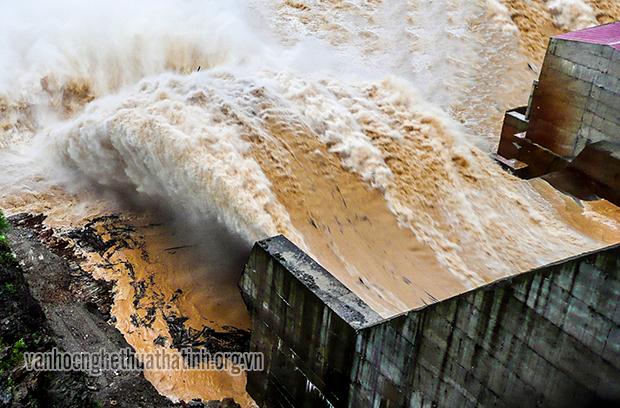 Nguy cơ lũ lớn tại huyện Hương Khê