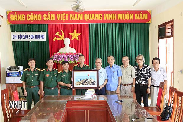 Chi hội nhà văn Việt Nam tỉnh Hà Tĩnh đi thực tế vùng biển Nam Hà Tĩnh