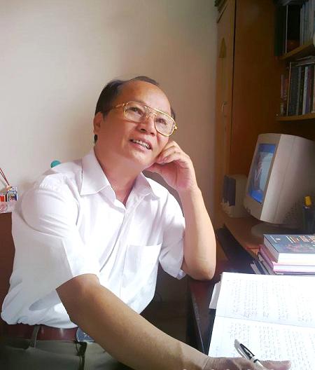 Nghệ nhân Ưu tú Nguyễn Viết Hoài