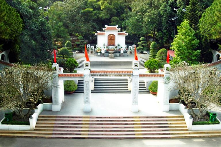Những mẩu chuyện về Ngã ba Đồng Lộc của tác giả Yến Thanh