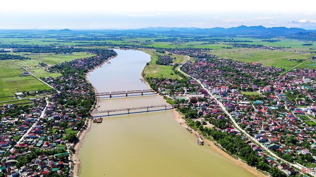 Sông La quê tôi......