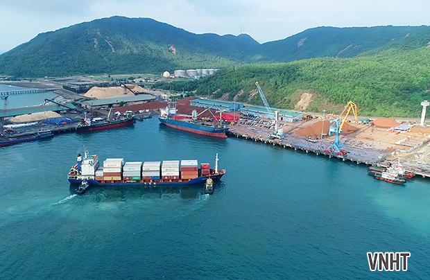 Cảng quốc tế Lào – Việt đón tàu container đầu tiên của Tân Cảng Sài Gòn