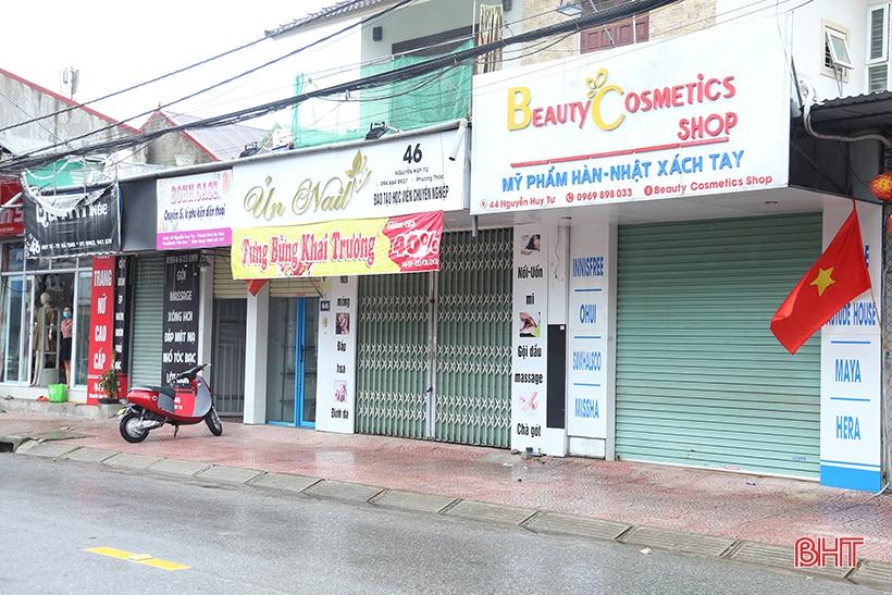 Từ 6h ngày 8/8, Hà Tĩnh dừng cắt tóc, spa, tập gym..., cafe chỉ bán mang về