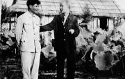 Nguyễn Ái Quốc - Hồ Chí Minh: Đi từ xứ Nghệ - về với Thăng Long