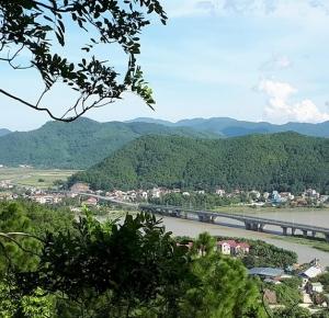 Núi Hồng sông Lam. Ảnh Quang Vinh